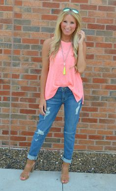 These vintage distressed light wash boyfriend fit jeans are made for cozy and cute outfits!