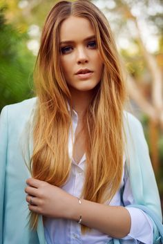 // Kristina Bazan via kayture You Look Stunning, Beautiful Suit, Beautiful Outfits, Beautiful Ladies, Baby Blue Suit, Kristina Bazan, Mermaid Hair, Great Hair, New Hair