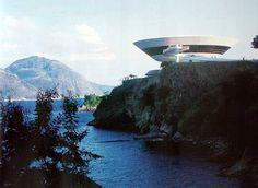 Architecht: Oscar Niemeyer