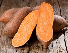 """Some people call them """"yams"""" and others call them """"sweet potatoes"""". Is there a difference? And how do they compare with regular white potatoes? Yam Or Sweet Potato, Sweet Potato Casserole, Sweet Potato Varieties, Sweet Potato Benefits, Potato Nutrition, Types Of Potatoes, Bad Knees, Potato Pie, Vegetables"""