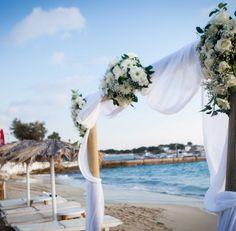 Beach Wedding in Greece. Wedding in Naxos. Wedding Planner, Destination Wedding, Groom Boutonniere, Greece Wedding, Greek Islands, Real Weddings, Bouquets, Wedding Ceremony, Wedding Flowers