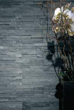 Parement mural pierre naturelle Ardoise noir - plaquette 15x60 cm - ép.1-3 cm - LES EXCLUSIFS - Décoration extérieure -…