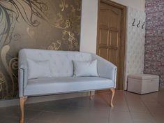 Egyedi szófa, kozmetikai szalonba. Love Seat, Couch, Furniture, Home Decor, Settee, Decoration Home, Sofa, Room Decor, Home Furnishings