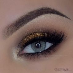 Awesome eye makeup blended with Natural Cristal contact lens by #sorraya_ #solotica_melbourne @billionaire_beau Such a perfect eyes and lashes combination! Grab your contact lens now at www.billionairebeauties.com #solotica_melboure #lashes #eyes #brows #eyeliner #soloticaus #solotica_uk #soloticaustralia