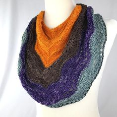Bandana Cowl // Lace neckwarmer // Lace by OrangeSmoothieKnits