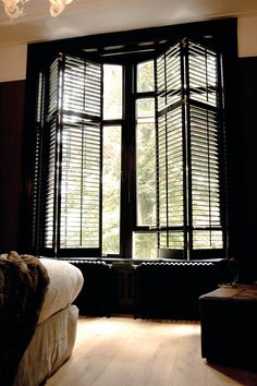 Home Decor Themes Real wooden Shutters at Lippe Wonen custom made - Boxspringbetten Interior Shutters, Interior Design Living Room, Window Decor, House Design, Home Remodeling, Home Decor, House Interior, Indoor Shutters, Black Shutters