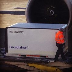 Envirotainer being offloaded an Emirates B777