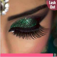 Jaw-dropping long lashes are absolutely stunning.