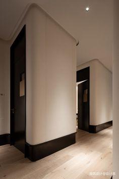 医疗机构220平米装修案例_效果图 - 艾迩肤医疗美容:一切设计景语,皆为情语 - 设计本 Interior Walls, Luxury Interior, Home Interior Design, Interior Architecture, Hotel Corridor, Accent Walls In Living Room, Space Interiors, Commercial Design, Wall Treatments