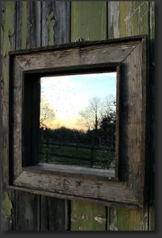 Neat website with rustic decor