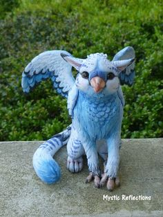 Blew the Gryphon – ooak Polymer clay Sculpture – Pottery Polymer Clay Dragon, Polymer Clay Figures, Polymer Clay Sculptures, Polymer Clay Animals, Cute Polymer Clay, Polymer Clay Dolls, Polymer Clay Projects, Polymer Clay Creations, Sculpture Clay