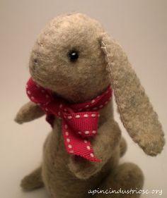 felt bunny - coniglietta di pannolenci