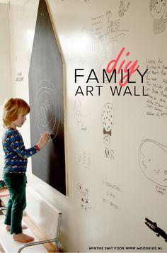 """Kinderkunst aan de muur. Met zijdeglans op een witte muur krijg je meteens een """"blank canvas"""""""