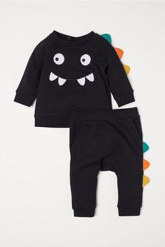 Sweatshirt and Pants - Black/dinosaur - Kids Baby Girl Fashion, Toddler Fashion, Fashion Kids, Cheap Kids Clothes, Baby Kids Clothes, Baby Boy Outfits, Kids Outfits, Toddler Outfits, Toddler Girls