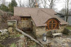~Peter Archer, Hobbit ev. http://www.mozzarte.com/dekorasyon-mimari/hobbit-pensilvanyada-bulunan-hobbit-ev/