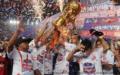 AKARPADINEWS.COM | PERHELATAN Bhayangkara Cup 2016 telah usai. Arema Cronus keluar sebagai pemenang pada laga final, Minggu (3/4). Arema mengalahkan Persib Bandung dengan skor 2-0.   Tak mudah menaklukan