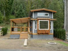 wildwood cottage - 500 sq ft. Click link for interior photo's. Cute!