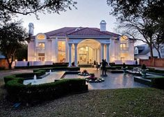 It's only been two weeks since the former mansion of Mary Kay Cosmetics Inc. founder Mary Kay Ash landed on the market, but the Realtor handling the p . Mary Kay Ash, Mary Mary, Queen Mary, Texas Homes, New Homes, Glasgow, Rich Home, Modern Mansion, Celebrity Houses