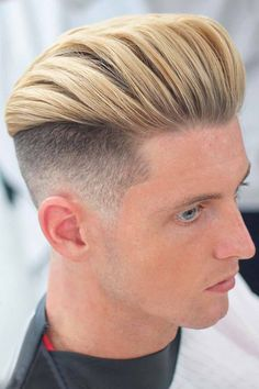 For the trendiest ideas on a pompadour mens hairstyle, turn to our guide. Here, you will find a haircut for anybody, from white to black men, be it an undercut pomp with a taper or curly bangs with a fade. #menshaircuts #menshairstyles #pomp #pompadour #pompadourhaircut #pompadourhairstyle Tapered Undercut, Undercut Fade, Pompadour Hairstyle, Undercut Hairstyles, Undercut Designs, Curly Bangs, Blonde Highlights, Royal Fashion, Haircuts For Men