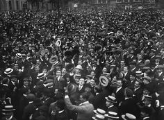 A London crowd cheers the declaration of war. Getty/Hulton Archive