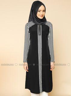 Çizgili Tunik - Siyah - Puane Hijab Chic, Hijab Fashion, Fashion Dresses, Hijab Trends, Muslim Dress, Hijab Outfit, African Fashion, Blouse Designs, Designer Dresses