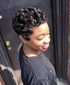 ✨IG ; @queen.nefer.brittany  Full pixie. African American hair. Short cut. Short waves.