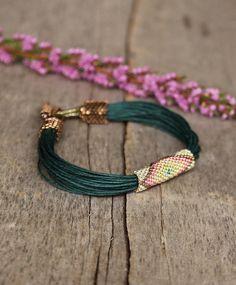 Greeen Stammes-Armband Afrikanischer Schmuck Leinen Armband ethnischen Schmuck Glasperlen Armband Moms Geschenk bunte Perlenarbeiten ethnische multicolor Armband