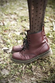 Polka Dot Tights and Doc Martens.<<<<<I want a pair of Doc/Dr martens so bad it's not real. Sock Shoes, Cute Shoes, Me Too Shoes, Shoe Boots, Shoes Heels, Shoe Bag, Prom Shoes, Shoes Sneakers, Adidas Shoes