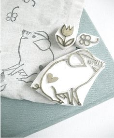 HAPPY PIG hand carved rubber stamp by talk to the sun