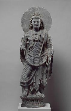 第三世纪犍陀罗艺术:弥勒菩萨立像 Standing Bodhisattva Maitreya -- Buddha of the Future. 3rd Century.