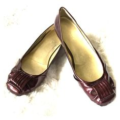 Jessica Simpson's Bordeaux colored flats Jessica Simpson's Bordeaux colored flats. Gently worn. In the last picture is the only sign of wear. These are super cute! Jessica Simpson Shoes Flats & Loafers