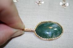 A Basic Pendant Wirewrapping Lesson ... free ... very detailed, great pictures, wonderful tutorial