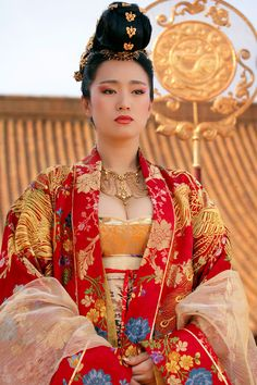 I love watching Curse of the Golden Flower just to see the beautiful costumes, jewelry, makeup and settings.