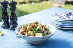 Kartoffelsalat med asparges og tomat