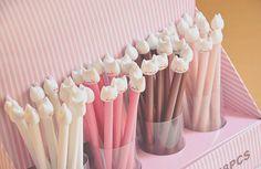 love cute school supplies! :3
