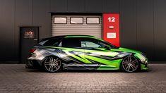 💥 Seat broken lines 💥 Car Folie, Racing Car Design, Best Wraps, Custom Wraps, Seat Leon, Best Luxury Cars, Racing Stripes, Audi Cars, Car Wrap