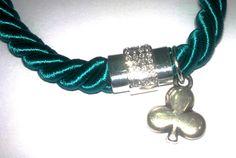 collar de cordon y cierre de circonitas disponible en https://www.facebook.com/pages/El-Taller-De-Adrian/349852258443401?ref=hl