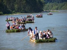 Dunajec is a river formed by two tributaries: Biały (White) Dunajec and Czarny (Black) Dunajec, and flowing through the beautiful gorges of the Pieniny Mountains. In these mountains you can take part in the rafting down the Dunajec River on the traditional wooden raft