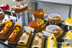 Guillaume Mabilleau, Kinds Of Desserts, French Pastries, Pastry Chef, Macaron, Chefs, Chocolates, Buffet, Deserts