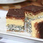 Prajitura cu mac si crema de vanilie   Retete Culinare Hungarian Desserts, Hungarian Recipes, Hungarian Food, Sweets Recipes, Cooking Recipes, Poppy Cake, Kolaci I Torte, Romanian Food, Cake Bars