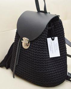 Рюкзак из нашей трикотажной пряжи @altyn_nitka цвет Антрацит 1850 тг за моток. Фурнитура натуральная кожа, стоимость набора фурнитуры без…