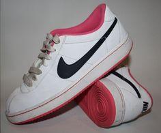 GENUINE Nike Fashion Trainers Woman's SIZE UK 4 White Pink EU 36,5 Fitness Sport