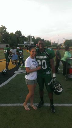So blessed to have fond my ideal woman, the woman of my dreams. She fulfills every aspect I ever desired in a woman. I cant help but to love her passionately and unconditionally. I'm truly blessed to. Football Relationship Goals, Black Relationship Goals, Relationship Pictures, Couple Goals Relationships, Football Boyfriend, Football Couples, Sports Couples, Cute Couples, Couple Pics