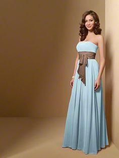 Brides Maid dress style so elegant its beautiful!!!!!!! http://weddite.com/
