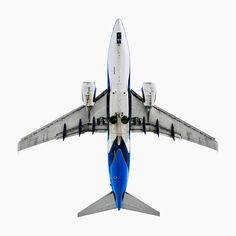Detailed Photographs of Various Aircrafts from Below - My Modern Metropolis
