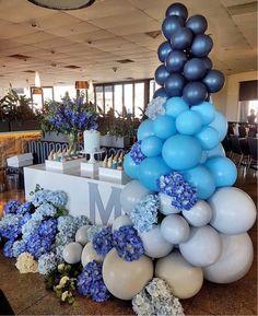 Numa festa, dificilmente não encontramos balões e flores na sua decoração. Mas o que vem chamando minha atenção e me encantando, são as novas maneiras que eles vêm integrando a décor. Vocês já perceberam isto?! Então, fazendo uma pesquisa para montar uma festinha para o meu filho, encontrei muitas referências… Achei tão lindo que resolvi …