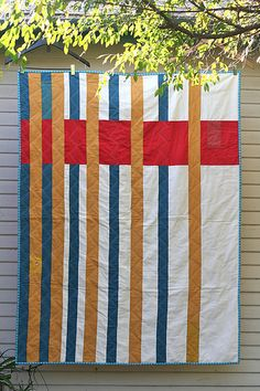 From The Modern Quilt Guild website.  Baby Harvatine Quilt by Alissa Haight Carlton, 2010