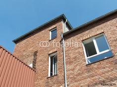 Alter Textilkontor mit Fassade aus rotem Backstein in der Sudbrackstraße in Bielefeld Schildesche in Ostwestfalen-Lippe