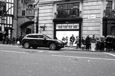 Porsche in London's sreets