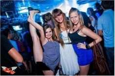 The BEST Night Club Fails EVER! In case you didn't know, partying comes at a cost! These Night Club Fails are hilarious Top Funny, Hilarious, Funny Accidents, Remember Quotes, Casino Dress, Casino Outfit, Humor Grafico, Fun Comics, Night Club